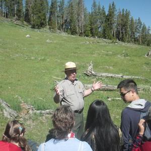 14-6 Yellowstone Mud Volcano - Dag 15 - Foto