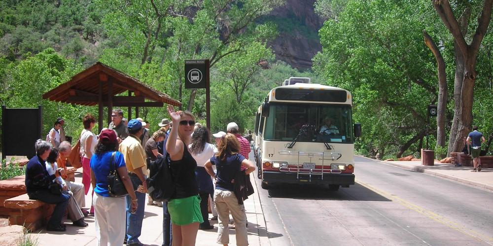 Shuttlebus Zion National Park - Utah - Doets Reizen