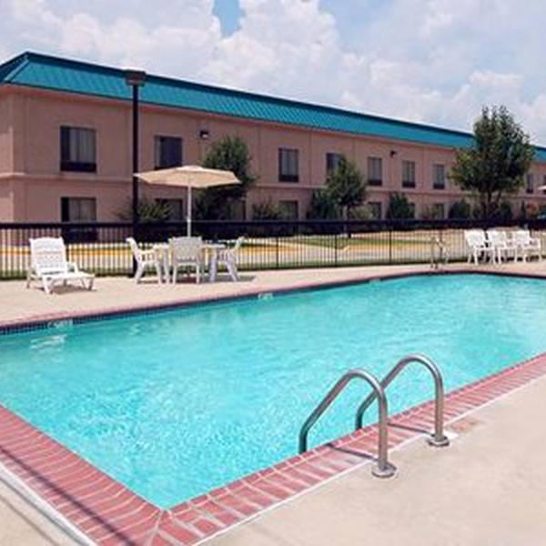 Comfort Inn Clarksdale - buitenzwembad