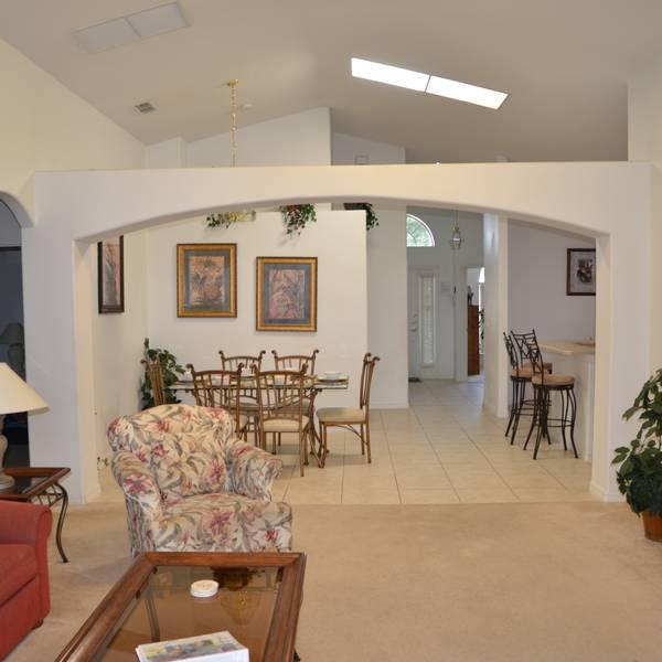 NAVH Orlando Executive Home -  woonkamer