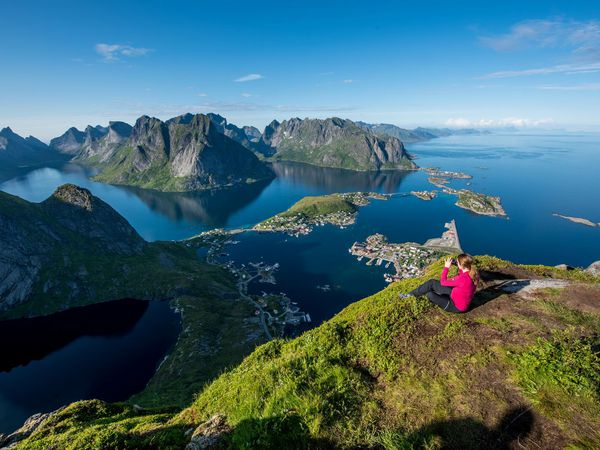 Reinebringen  Lofoten - Vakantie Noorwegen - Doets Reizen- Credit Tomasz Furmanek - Visit Norway
