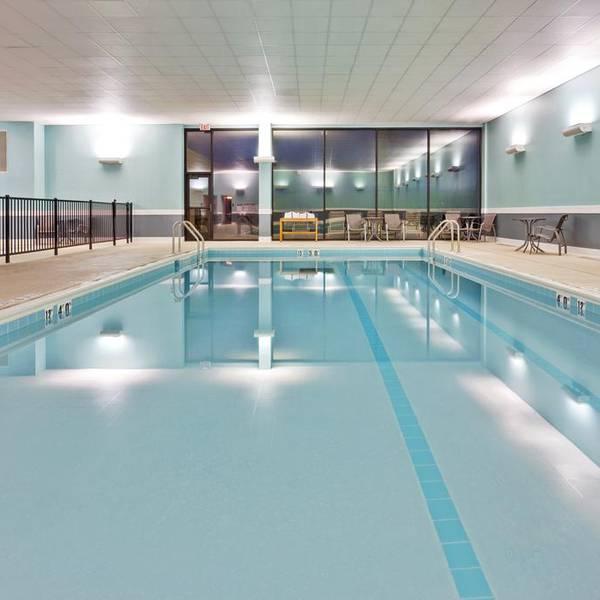 Edward Hotel Chicago, binnenzwembad van het hotel