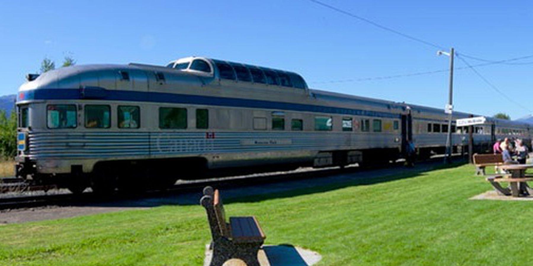 Skeena Train Sundog - Jasper - Alberta - Canada - Doets Reizen