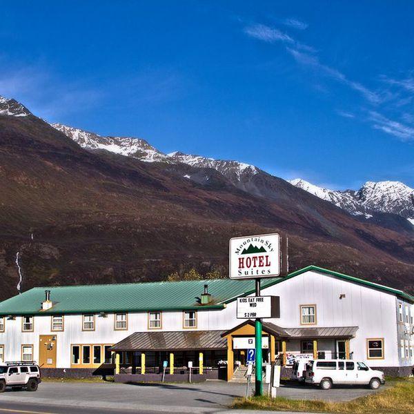 Mountain Sky Hotel Valdez - exterior