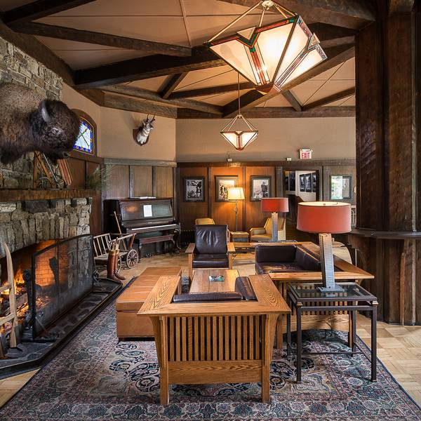 Deer Lodge - lounge hotel