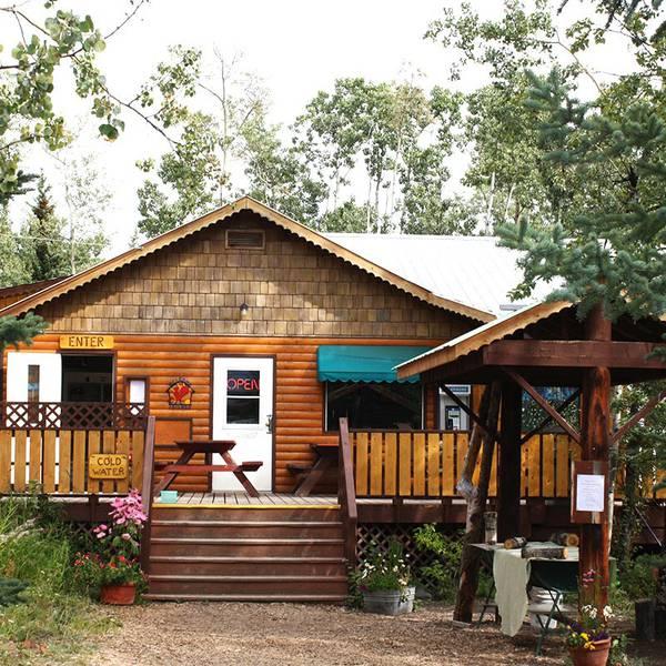 Village Bakery - Haines Junction - Yukon - Canada - Doets Reizen