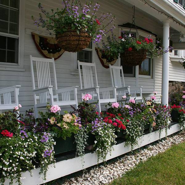 Christmas Farm Inn - porch