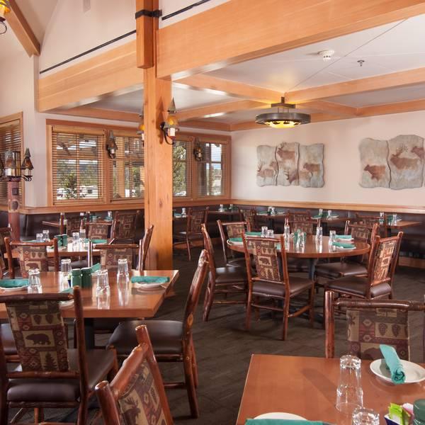 Old Faithful Snow Lodge - Obsidian Dining Room
