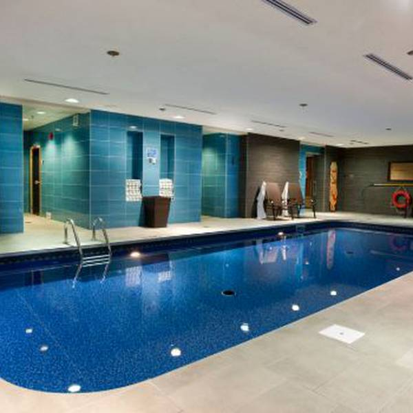 Hotel Chateau Laurier Pool