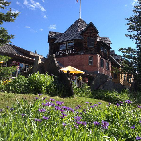 Deer Lodge - exterior1