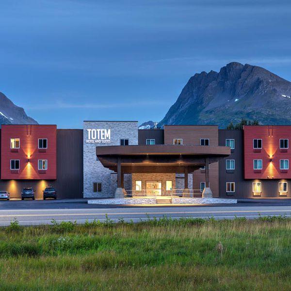 Totem Hotel & Suites - Exterior