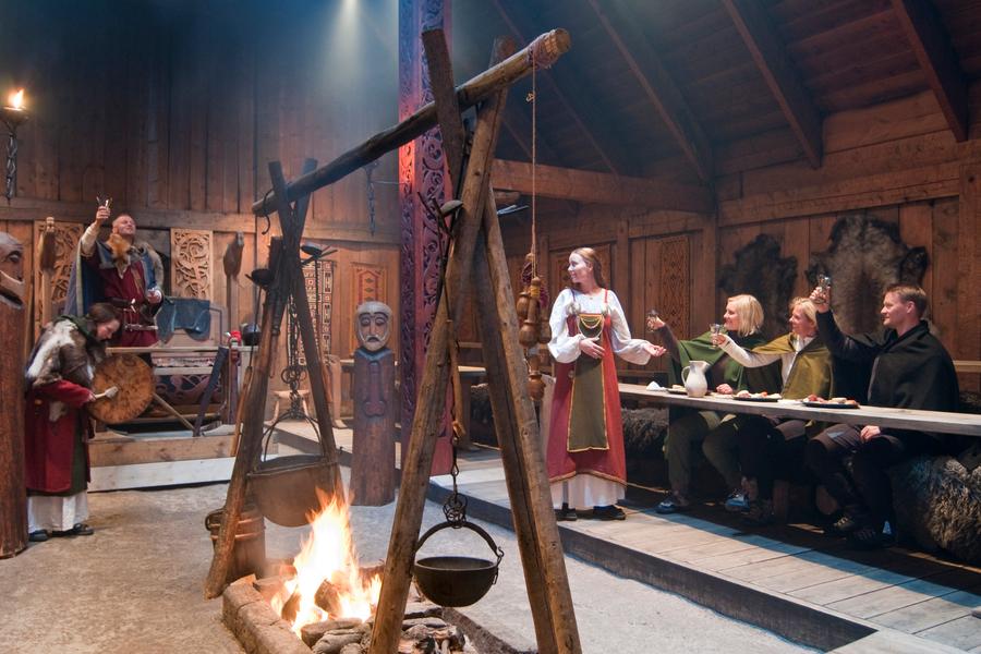 Lofotr Viking Museum  Lofoten- Doets Riezen - Vakantie Noorwegen - Credits VisitNorway.com