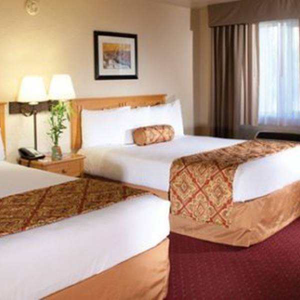 Red Feather Lodge - room 1234