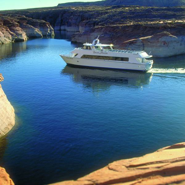 Boottocht over Lake Powell in Page, Arizona
