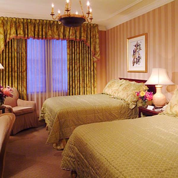 Hotel Monteleone - room
