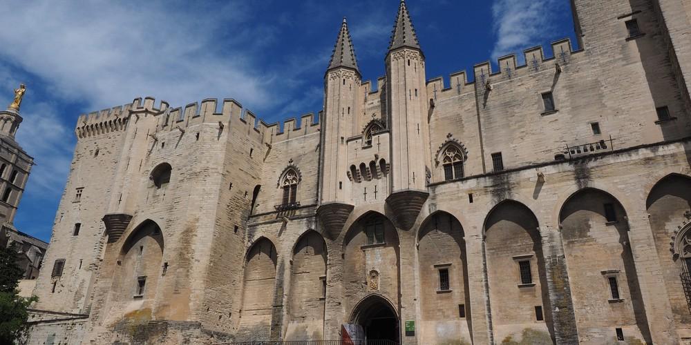 Avignon Paleis der Pausen - Doets Reizen Frankrijk - afbeelding van Hans Braxmeier via Pixabay