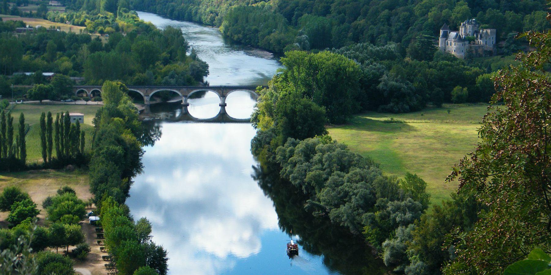 Dordogne Doets Reizen afbeelding van Richard Wisdom via Pixabay | Frankrijk