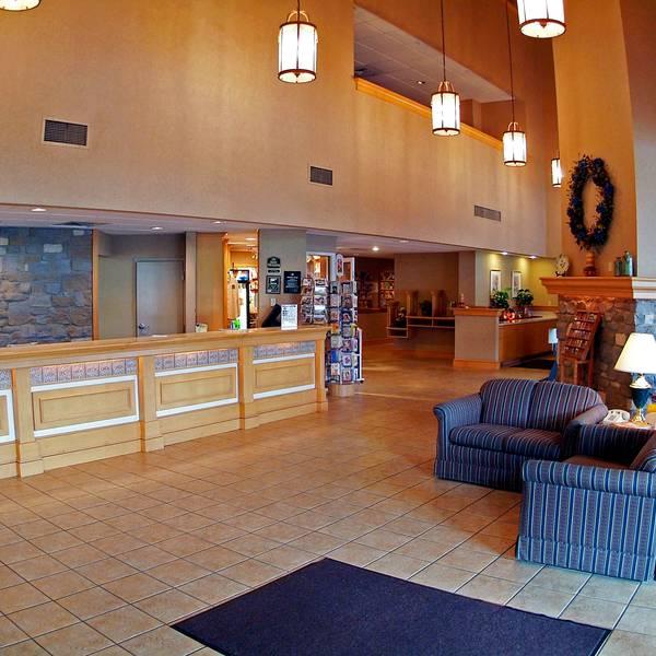 Best Western Revere Inn & Suites - lobby