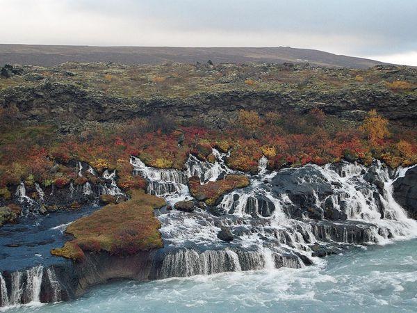 Hraunfossar & Barnafoss Watervallen - IJsland - Doets Reizen