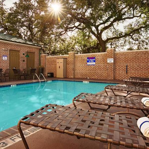 BW Plus Savannah Historic District - pool