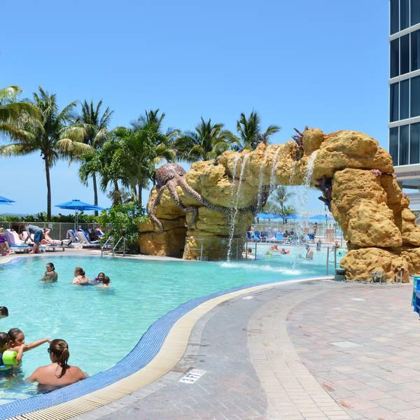 Pink Shell Beach Resort - pool