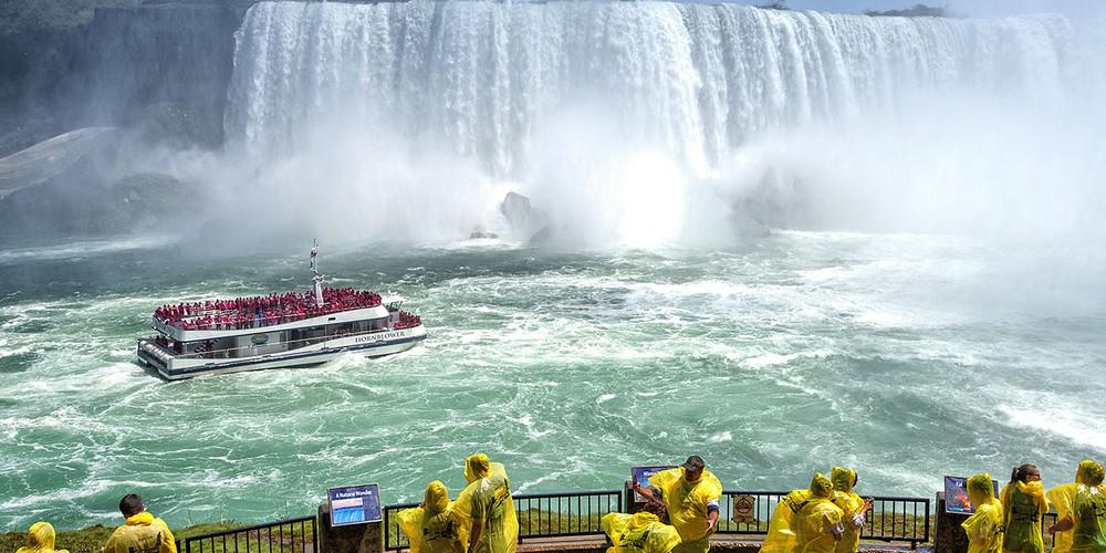 Hornblower Cruise - Niagara Falls - Ontario - Canada - Doets Reizen