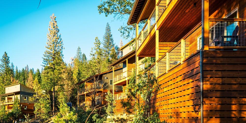 Rush Creek Lodge bij Yosemite NP, CA
