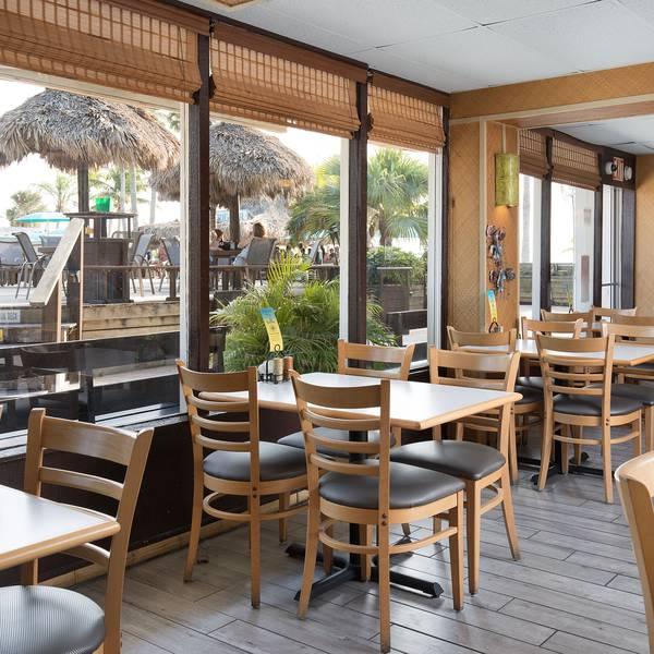 Outriggers Beach Resort - Restaurant