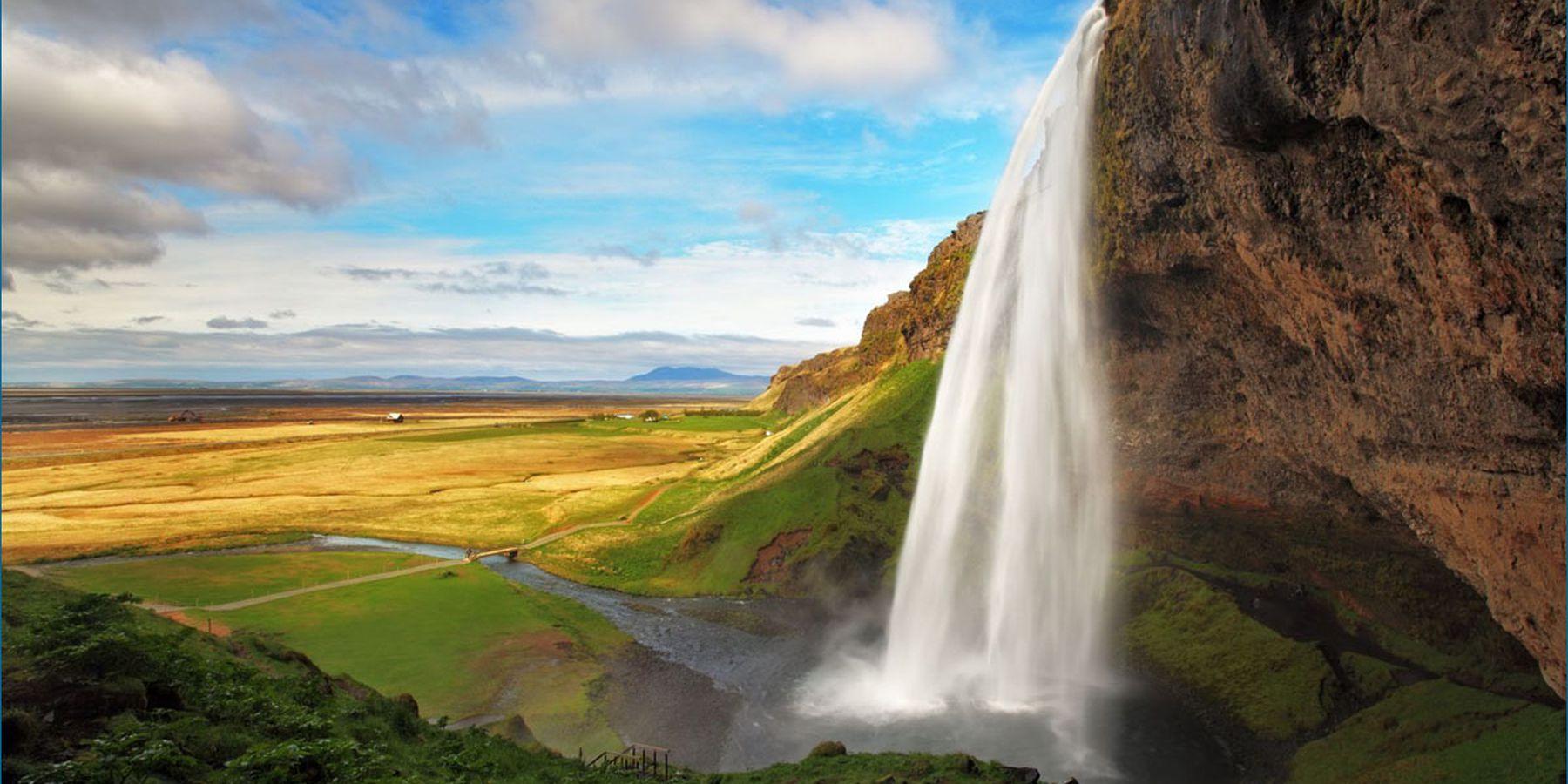 Seljalandsfoss waterval - IJsland - Doets Reizen