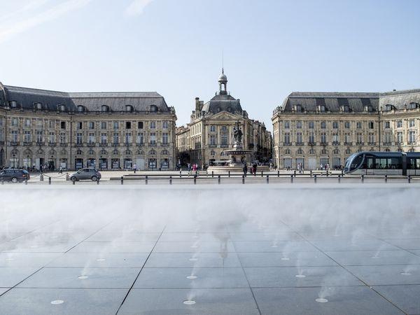 Bordeaux plein Afbeelding van Göran Waldt via Pixabay | Doets Reizen | Frankrijk