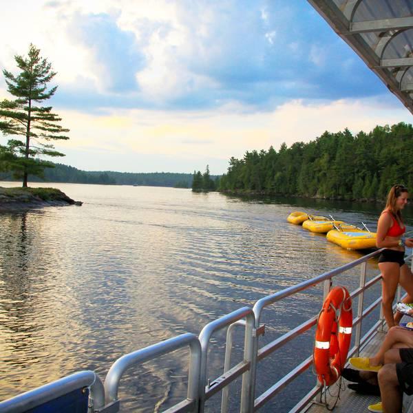 OWL Rafting, met de Pontoon Boat naar het resort