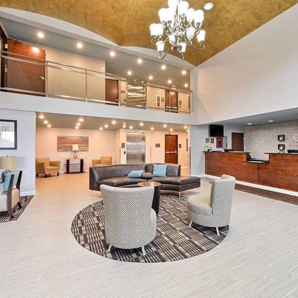 Comfort Inn & Suites Springfield - Zwembad