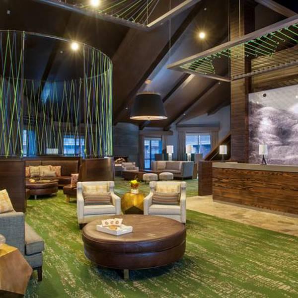 DoubleTree by Hilton PC Lobby