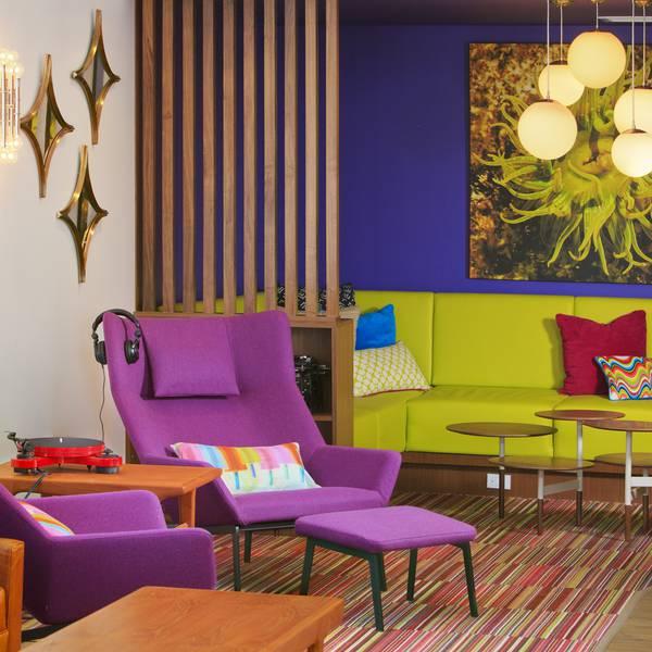 Hotel ZED Victoria - lobby