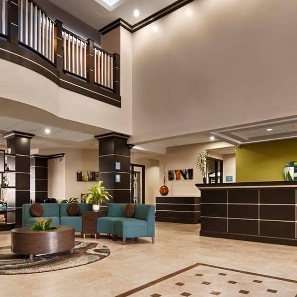 Best Western Plus JFK Airport Inn & Suites, lobby