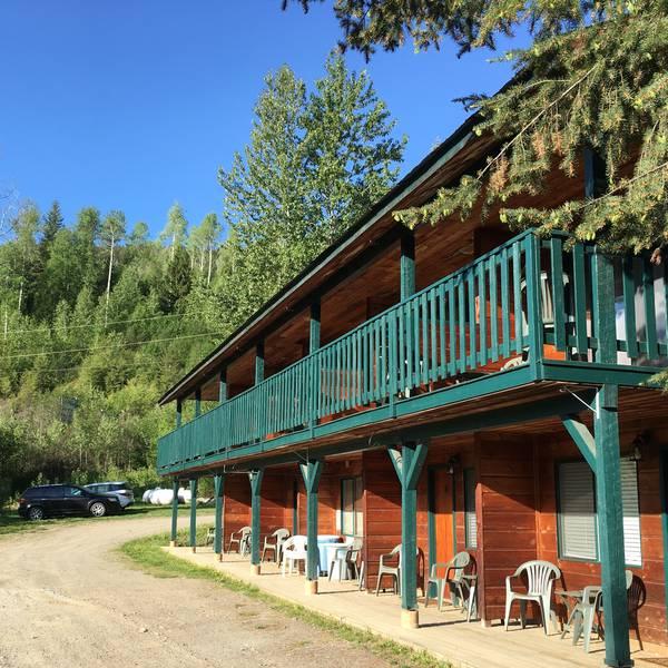 Helmcken Falls Lodge - standard2