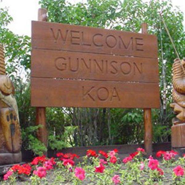 Gunnison KOA - Sign