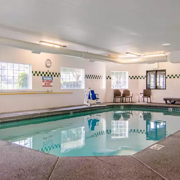 Comfort Suites Columbia River - Zwembad