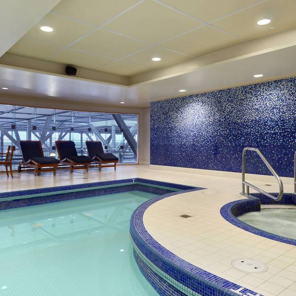 Fairmont Vancouver Airport - pool
