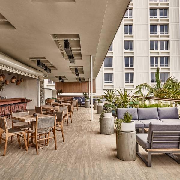 Hotel June - bar