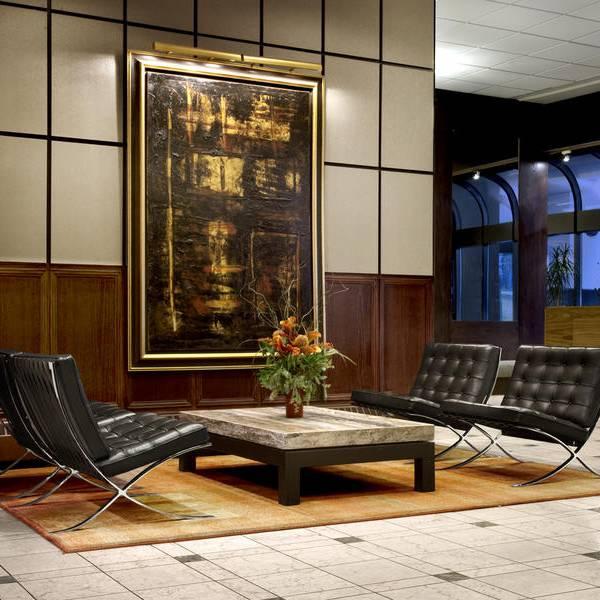 The International Hotel Calgary - lobby