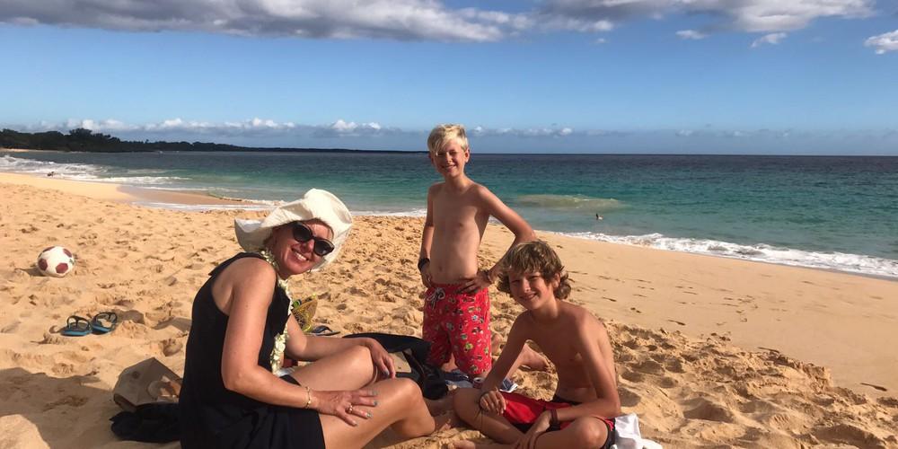 Elske met kids op Big Beach Maui