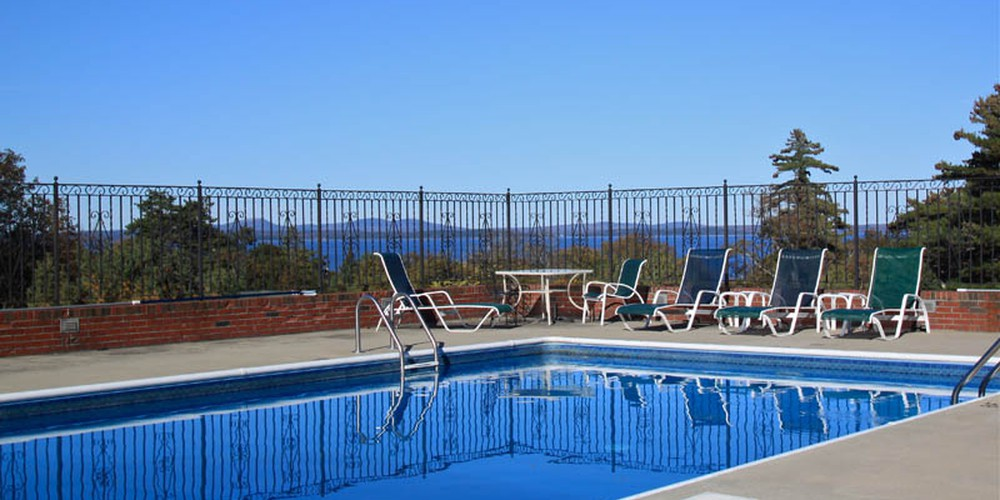 Blue Nose Inn Outdoor pool
