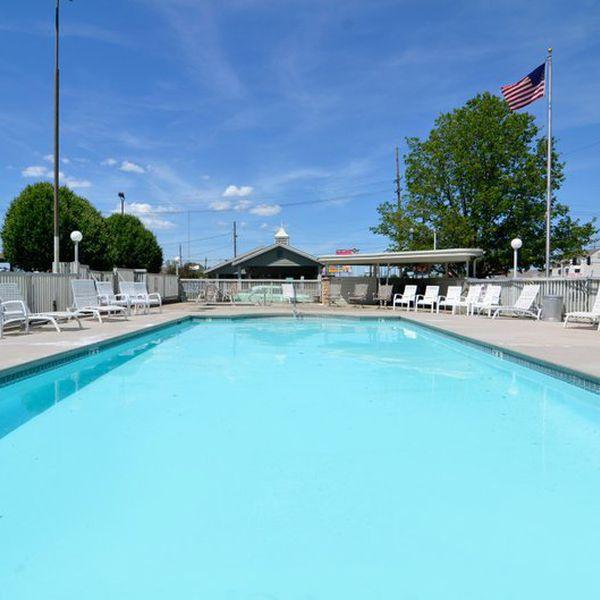Best Western Route 66 Rail Haven - pool