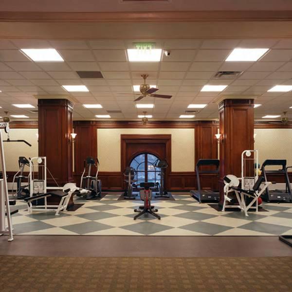 Omni William Penn Hotel - fitnessruimte