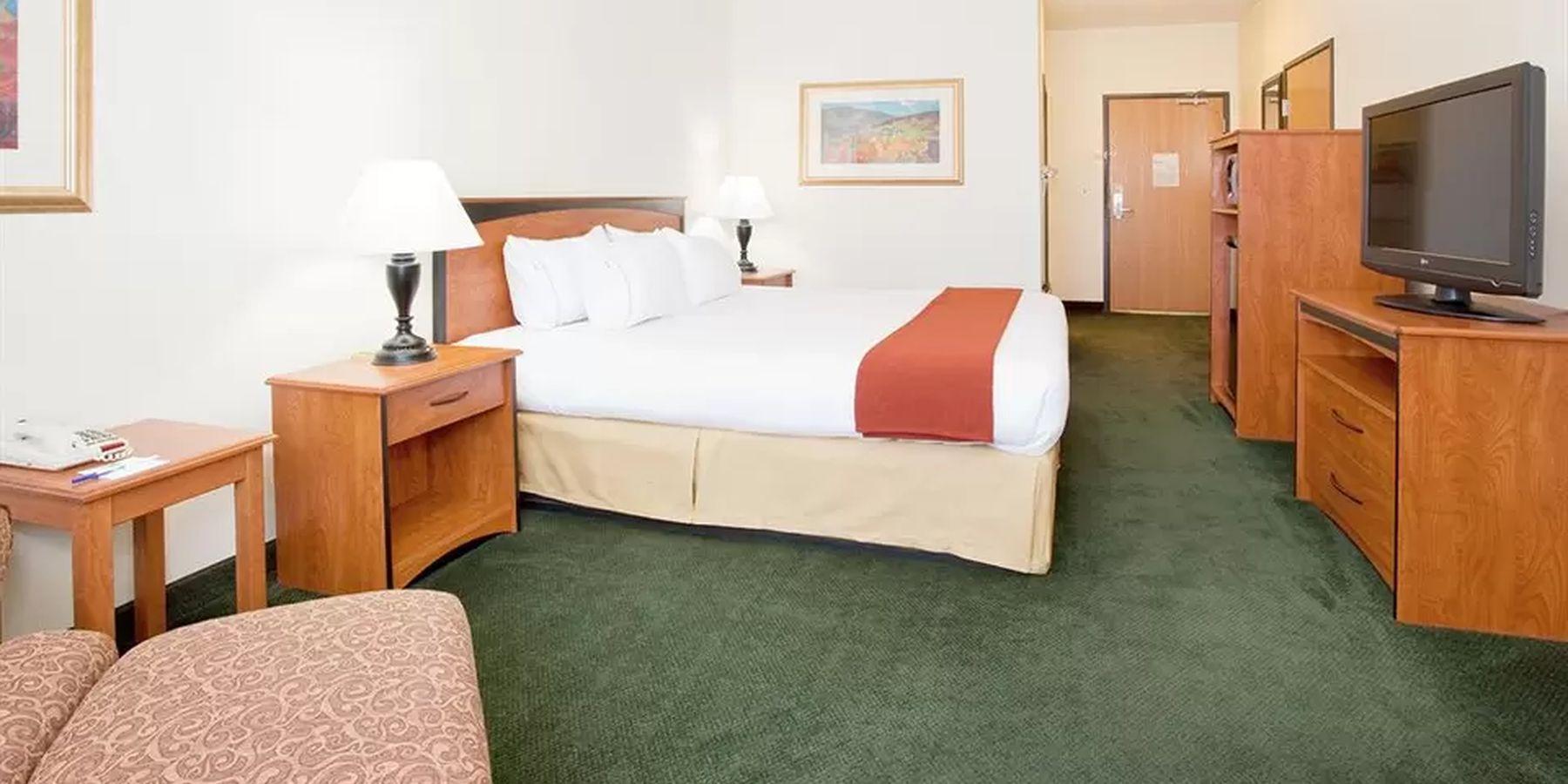 Holiday Inn Alamosa - room