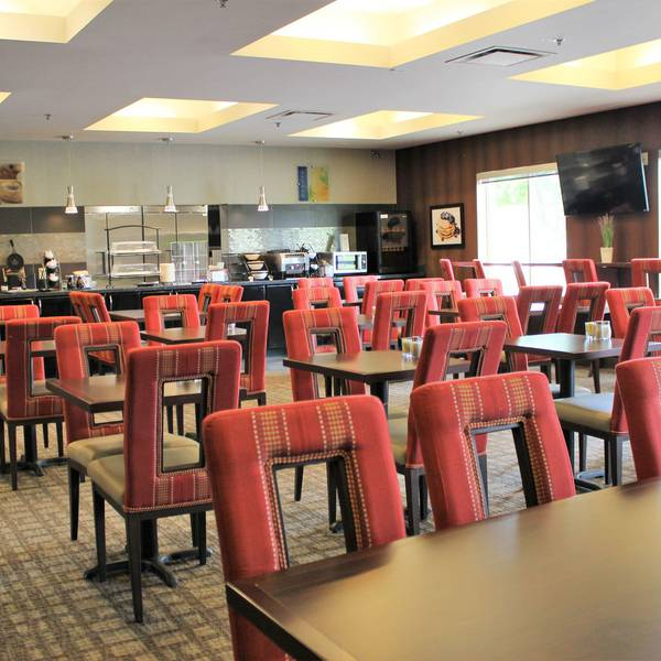 Best Western Plus Wine Country Hotel &  2