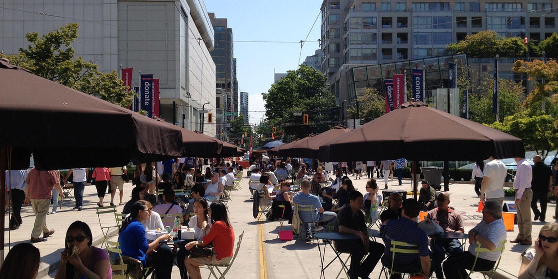 Robson Square - Vancouver - British Columbia - Canada - Doets Reizen