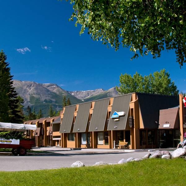 Marmot Lodge Jasper - exterior