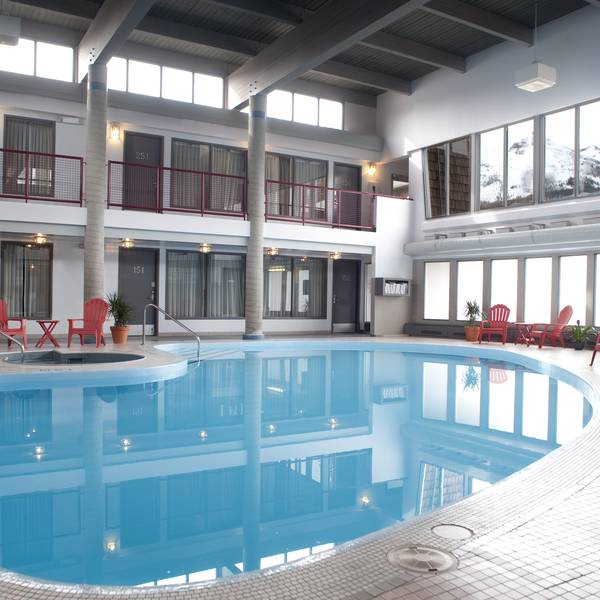 Maligne Lodge - binnenzwembad